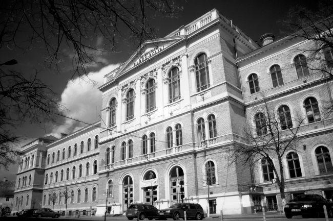 Clădirea centrală a Universității Babeș-Bolyai din Cluj Napoca